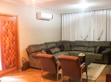 Casa · 260m² · 3 Quartos · 4 Vagas