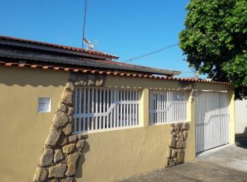 Casa · 124m² · 2 Quartos · 3 Vagas