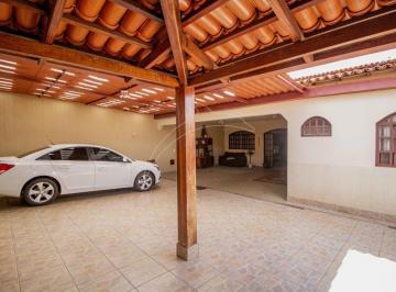 Casa · 200m² · 4 Quartos · 4 Vagas