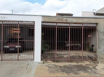 Casa · 150m² · 3 Quartos · 6 Vagas