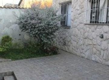 Casa · 260m² · 2 Quartos · 2 Vagas
