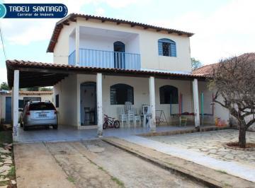 Casa · 182m² · 4 Quartos · 6 Vagas