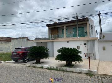 Casa de 4 quartos, Caruaru