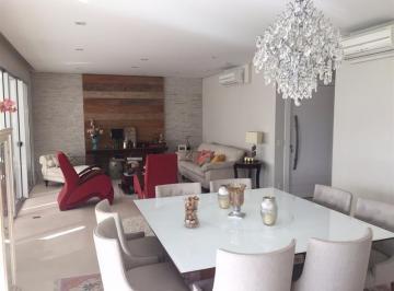 Apartamento · 225m² · 4 Quartos · 4 Vagas