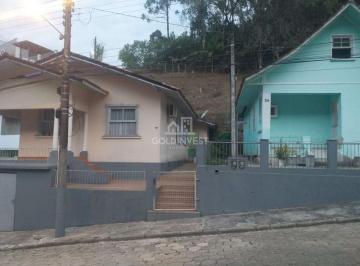 Casa · 1400m² · 3 Quartos · 2 Vagas