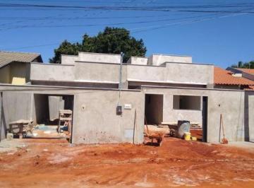 Casa · 79m² · 2 Quartos · 2 Vagas