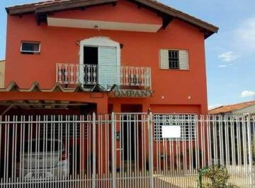 Casa · 209m² · 4 Quartos · 3 Vagas