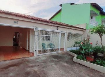 Casa · 180m² · 4 Quartos · 2 Vagas