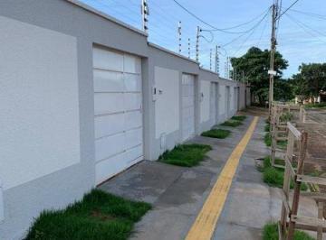 Casa · 80m² · 2 Quartos · 3 Vagas