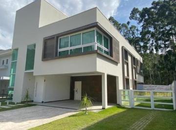 Casa · 400m² · 4 Quartos · 9 Vagas