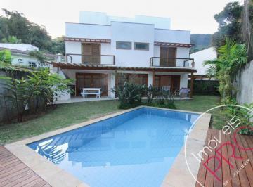Casa · 250m² · 4 Quartos · 3 Vagas