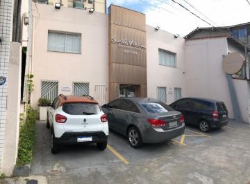 Casa · 230m² · 6 Quartos · 4 Vagas