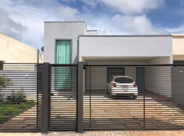 Casa · 400m² · 3 Quartos · 4 Vagas