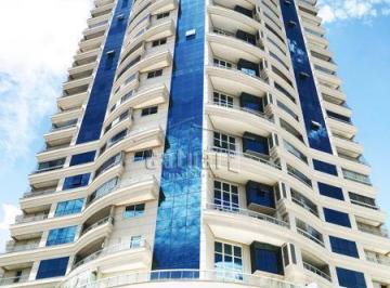 Apartamento · 168m² · 3 Quartos · 3 Vagas