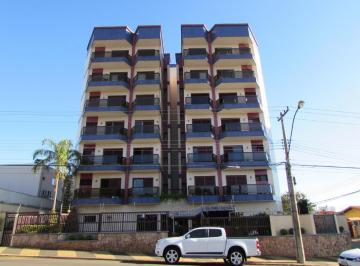Apartamento · 218m² · 3 Quartos · 2 Vagas