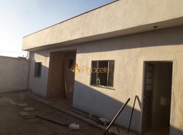 Casa · 67m² · 2 Quartos · 2 Vagas