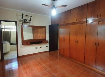 Casa · 190m² · 3 Quartos · 4 Vagas