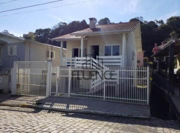 Casa · 156m² · 3 Quartos · 2 Vagas