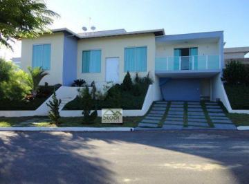 Casa · 220m² · 3 Quartos · 4 Vagas