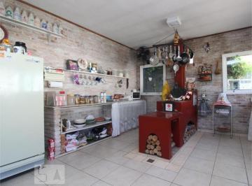 Casa · 300m² · 3 Quartos · 8 Vagas