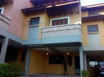 Casa · 158m² · 3 Quartos · 2 Vagas