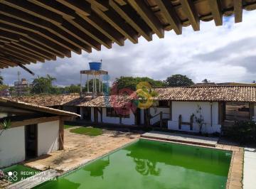 Casa · 700m² · 6 Quartos · 2 Vagas