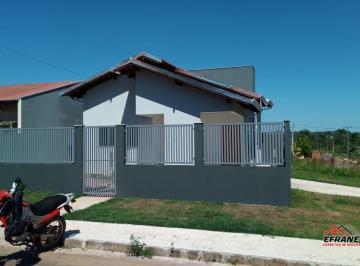 Casa · 85m² · 2 Quartos