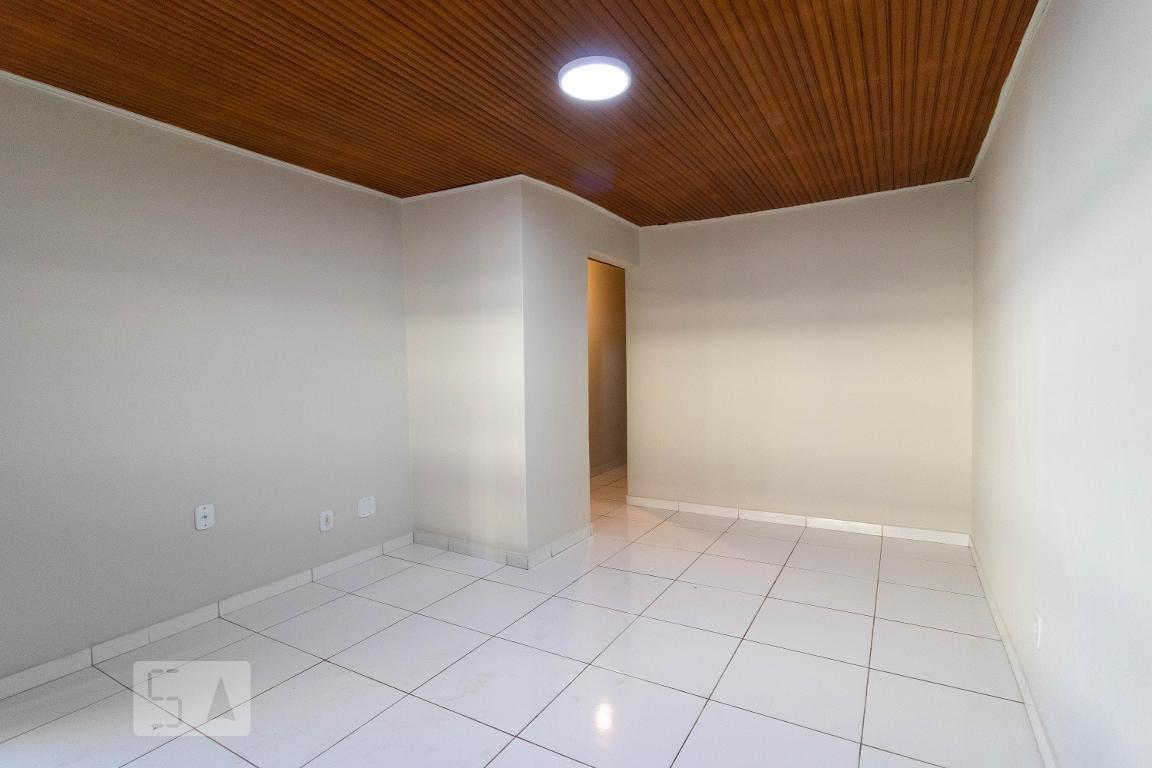 Casa para Aluguel - Guará, 3 Quartos,  80 m² - Brasília