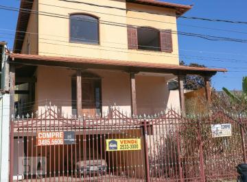 Casa · 297m² · 4 Quartos · 3 Vagas