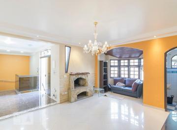 Casa · 140m² · 1 Quarto · 4 Vagas