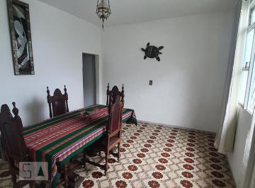 Casa · 360m² · 4 Quartos · 4 Vagas