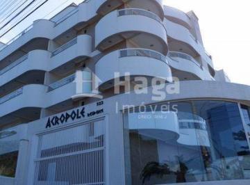 Apartamento · 205m² · 4 Quartos · 2 Vagas