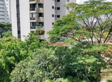 Apartamento · 210m² · 4 Quartos · 4 Vagas