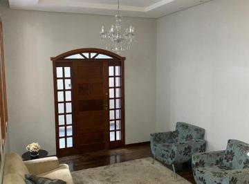 Casa · 290m² · 3 Quartos · 3 Vagas