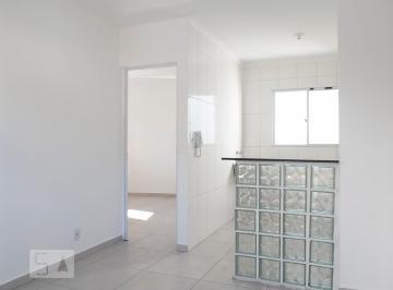 Casa · 30m² · 1 Quarto · 1 Vaga