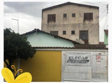 Casa · 231m² · 6 Quartos · 4 Vagas