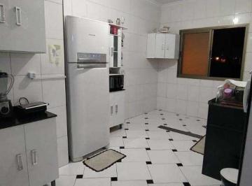 Casa · 85m² · 2 Quartos · 1 Vaga