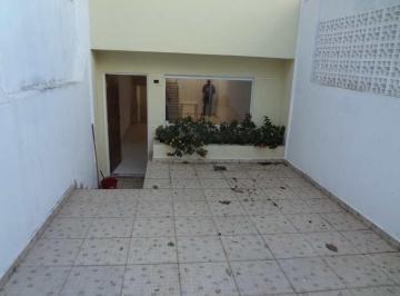 Casa · 82m² · 3 Quartos · 2 Vagas