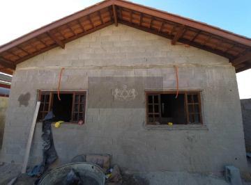 Casa · 80m² · 3 Quartos · 2 Vagas