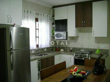 Casa · 125m² · 2 Quartos · 2 Vagas