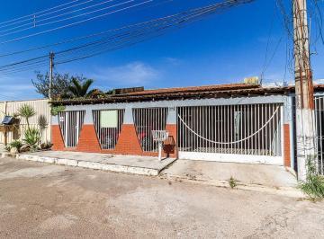 Casa · 275m² · 4 Quartos · 3 Vagas