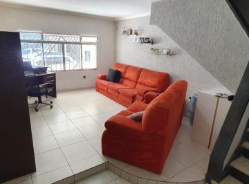 Casa · 137m² · 2 Quartos · 3 Vagas