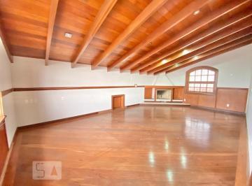 Casa · 600m² · 2 Quartos · 4 Vagas
