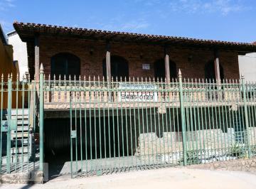 Casa · 300m² · 5 Quartos · 8 Vagas