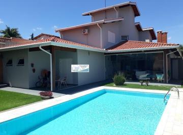 Casa · 380m² · 4 Quartos · 6 Vagas