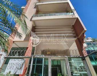 Apartamento · 242m² · 4 Quartos · 3 Vagas
