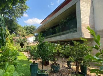 Casa · 1203m² · 5 Quartos · 6 Vagas
