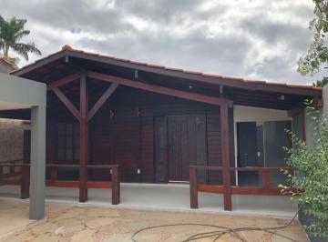 Casa · 175m² · 3 Quartos · 3 Vagas