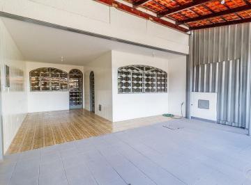 Casa · 120m² · 7 Quartos