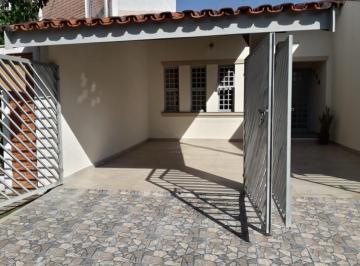 Casa · 90m² · 2 Quartos · 2 Vagas
